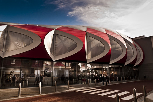 The Red UFO (Médiacité, Liège) - Photo : Gilderic