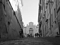 la strada per tutti (Il cantore) Tags: street bw rome roma blackwhite strada bn bianconero slope sampietrini quirinale paved salita 15challengeswinner viadellapanetteria canoniani