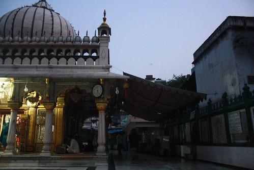 Capital Experience – Dawn @ Hazrat Nizamuddin Dargah