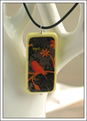 Domino pendant (blackbird)