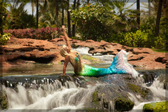 Atlantis: The Longer Exposed Mermaid (adr!@n) Tags: vacation water stream atlantis mermaid bahamas polarized paradiseisland faved longerexposure singhray canoneos5dmarkii varinduo