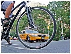 BICI-TAXI ;) (Sigurd66) Tags: nyc newyorkcity usa ny newyork bike wheel yellow unitedstates manhattan taxi bicicleta amarillo bici cabs rueda lowermanhattan groc taxicabs estadosunidos nuevayork cityofnewyork eeuu nyctaxi novaiorque novayork nowyjork vieteo nuovayork nuebayork  newyorkyellowtaxi