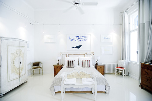 brody house white room
