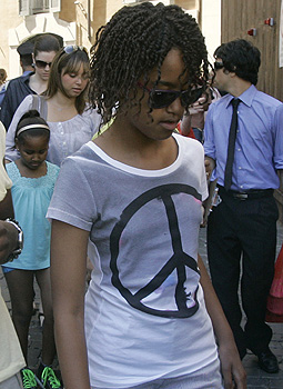 Obama's Daughter's PEACE shirt