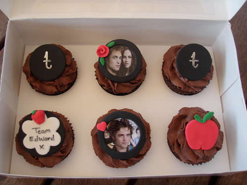 Mossy's masterpiece - Twilight cupcakes