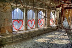 Hearts For The Motor City (Kc Jacoby Photography LLC) Tags: abandoned hearts rust paint open pentax decay michigan empty painted detroit left urbanexploring fallingapart urbex downtowndetroit hardtimes recession winidows downbutnotout k10d pentaxk10d detroitdecay kcjacoby economicdownturn hardeconomy