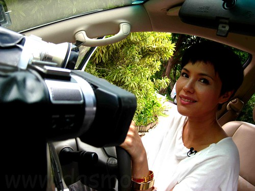 Driving Miss Foodie - Zoe tay