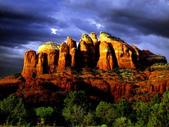 Rays Coming Through (paynepat44) Tags: travel summer arizona landscape sedona breathtaking absolutelystunningscapes breathtakinggoldaward expressyourselfaward magicunicornverybest magicunicornmasterpiece breathtakinghalloffame mygearandmepremium mygearandmebronze mygearandmesilver mygearandmegold mygearandmeplatinum mygearandmediamond