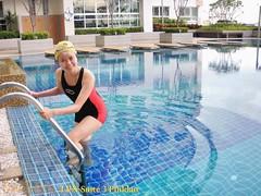 สระว่ายน้ำลอย ลุมพินี สวีท ปิ่นเกล้า