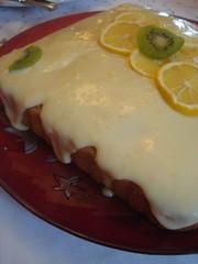 Soslu ve meyve aromalı kek
