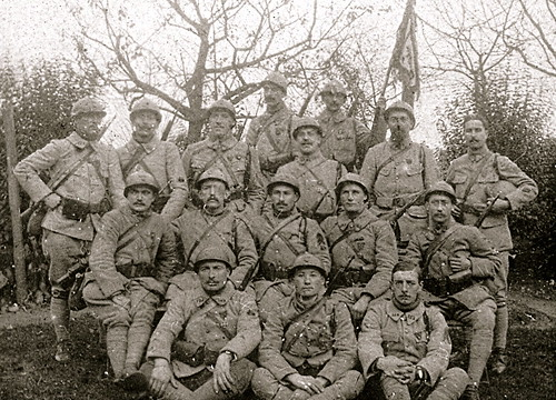 Groupe de polus du  15-2 en 1918 - (photo VestPocket Kodak Marius Vasse 1891-1987)