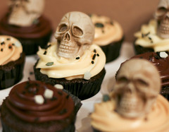 Evil Cupcakes ( Just me... ) Tags: black beer skull chocolate tan evil cupcake guiness bassale blackandtan