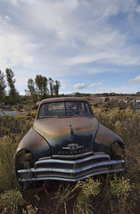 (shadowplay) Tags: abandoned rust plymouth grill burns chrome fading 395 autograveyard