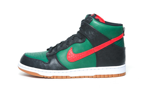 "Nike Dunk High Supreme Spark LE ""Gucci"""