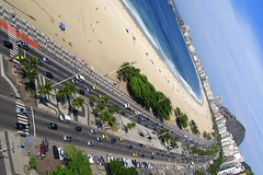 Copacabana (servuloh) Tags: pictures ocean from above sea brazil praia beach rio brasil canon de landscape photography mar avenida photo interesting sand automobile do foto rj janeiro view areia action pov pavement stones mosaic juegos picture games jo mosaico ao paisagem powershot copacabana host most fotos paving olympics q alto portuguese copa sede pedras jogos visto portuguesa cima oceano calada calado g7 jeux atlntica 2016 olimpicos automvel portuguesas avenidaatlntica olimpadas canong7