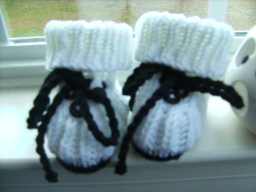 Hand Knit Ghost Halloween Baby Infant Booties 3 Months