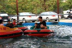 20091108_9799 (Yiwen103) Tags: 內灣 露營 尖石 卡丁車 櫻花谷 碰碰船 踏踏球
