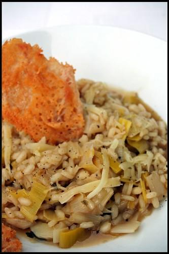 4115077958 0fedb52c34 Salade de semoule, oranges et restes de poulet   Bouillon de poulet maison  Risotto aux poireaux, tuiles de parmesan