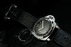 Panerai 233 water drops (martin wilmsen) Tags: water timepiece wristwatch highspeed panerai strobist officinepanerai pam233