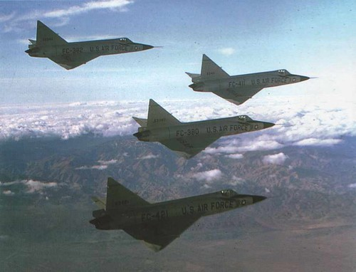 Airplane picture - F-102 formation