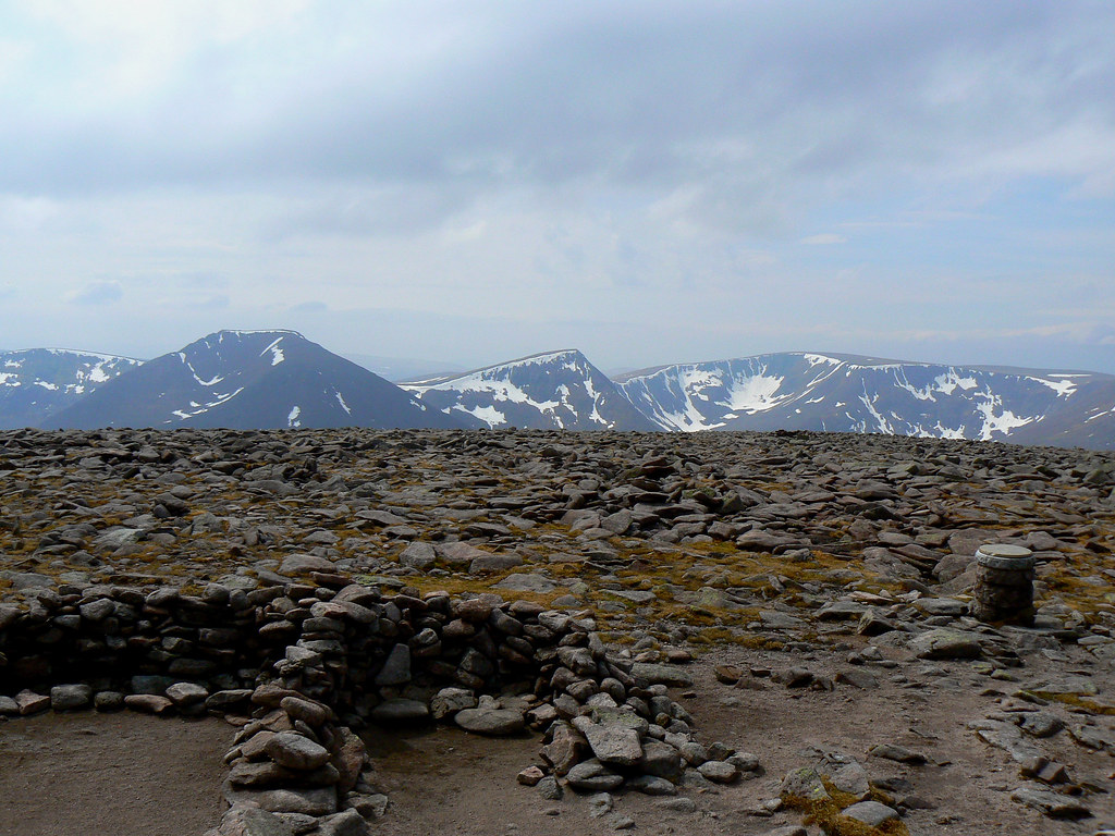 Cairn Toul to Braeriach from Ben MacDui