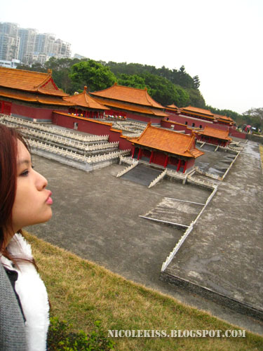 me kissing The Imperial Palace