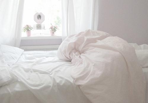 фото в белой постели