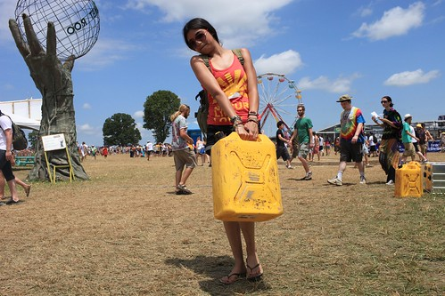 Bonaroo Carrying Jerry Can