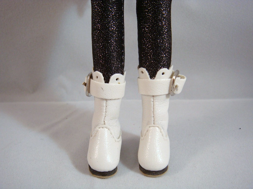 Blythe - Fashion White Boots with Buckle (BB-001W)