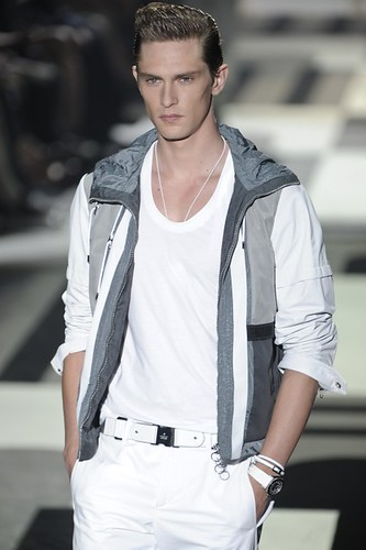 Mathias Lauridsen3116_SS10_Milan GUCCI(mh)