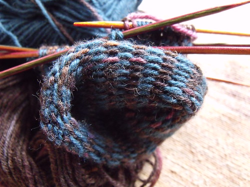 Colour knitting