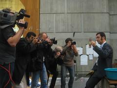 Fotografen und Cem Özdemir (Grüne) an der Uni Stuttgart