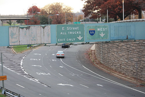 The beginning of I-66 West