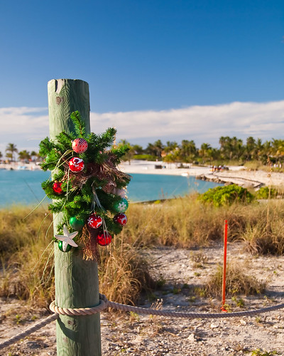 Castaway Cay - Christmas wreath on the sand
