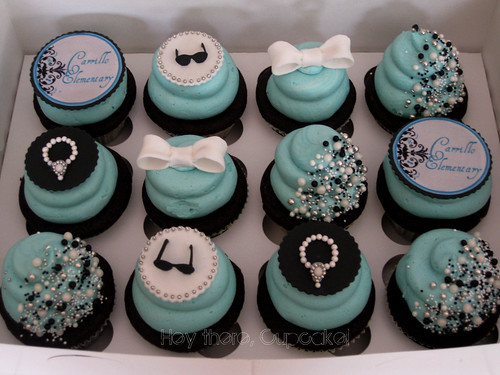 Breakfast at Tiffany's by www.heythere-cupcake.com.