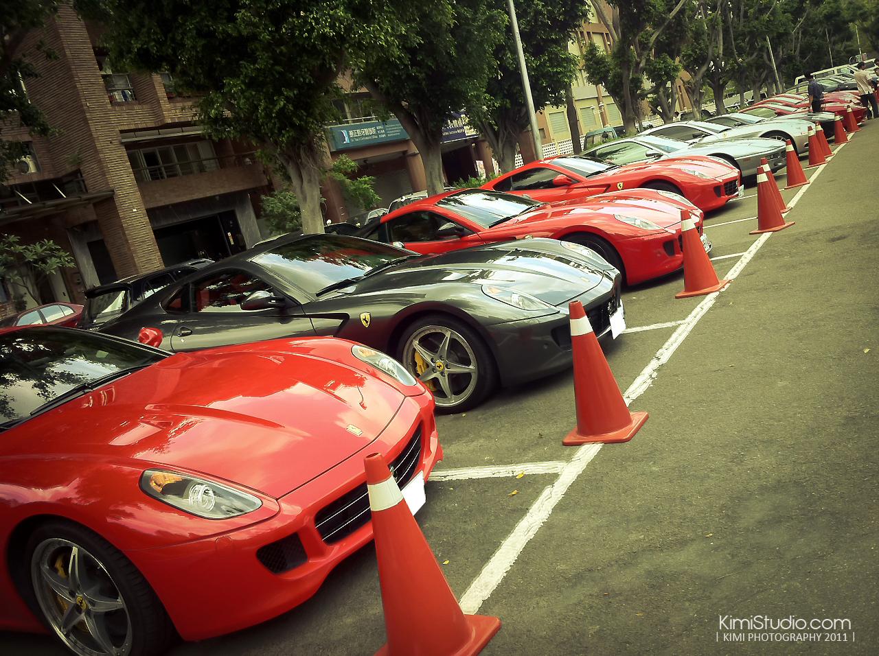 Ferrari 2011.06.10-002