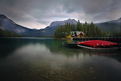 Emerald Lake (lfeng1014) Tags: emeraldlake yohonationalpark britishcolumbia longexposure landscape canon5dmarkiii ef1635mmf28liiusm canada canadianrockies rockymountains lake water reflection boats