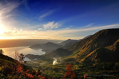 Sunrise Tele, Danau Toba (Johnny Siahaan) Tags: sunset sky lake nature water beautiful sunrise sumatra indonesia landscape volcano photo amazing nikon asia tour photos stockphotos batak toba bestshot laketoba stockphotography supervolcano samosir beautifullandscape traveltravel photostock danautoba sumaterautara sellphotos tobalake interestinglandscape indonesianphotographer sumatratravel visitindonesia fiveprime pusuk danaubiru pestadanautoba visitsumatra buhit tujuanwisata johnnysiahaan kawasandanautoba sumatratourism northsumatratourism sumatraecotourism fotodanautoba photodanautoba