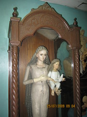 Marian Image in Urna (Leo Cloma) Tags: mary philippines saints virgin santos blessed marian urna vecin cloma
