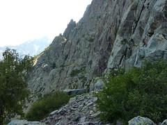 Andade a u Ponte : les parois verticales du versant Scaffone