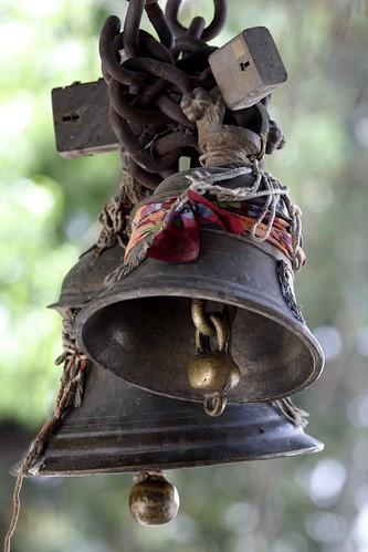 Campana de templo hindú