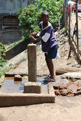 SL slum communities 032 (Doctor Dave Roberts) Tags: freetown slslumcommunities crabtowncommunityslum whitemansbay