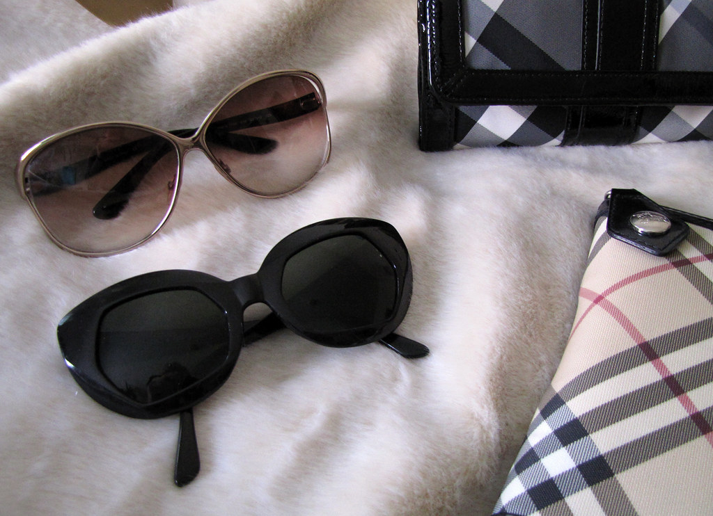 accessories-gucci-burberry-tom-ford-dolce-vintage-4