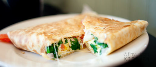 Spinach, egg, peppers crepe