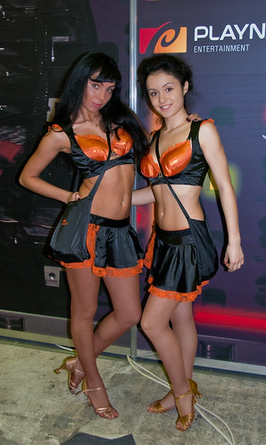Girls at Igromir 2009