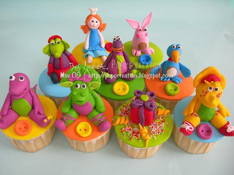 Dibo vs Barney Cupcake
