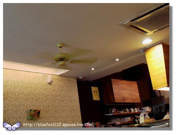 090925Chez Moi Cafe03_吧台一隅