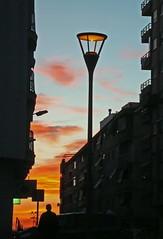 algo empieza (Qarloski) Tags: azul atardecer rojo ciudad nocturna silueta lavilajoiosa platinumheartaward