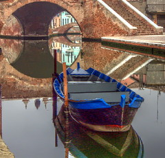 The perfect circle under the triple bridge (lele orpo) Tags: bridge reflection water lumix boat littlevenice comacchio impressedbeauty fz18 leuropepittoresque