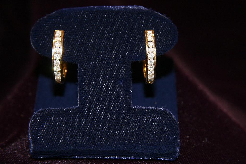 SPARKLING DIAMOND EARRINGS